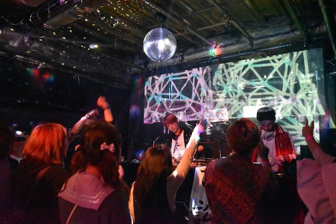 ANIME Splay(アニスプ)は福岡のクラブイベントでアニメ・ゲーム・特撮・声優・ボカロなどいわゆるアニソンで踊って! 騒いで! 飲んで! 楽しめるパーティー