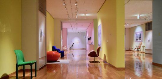 2017年4月2日(日)〜5月28日(日)までの期間中、九州産業大学美術館で『第25回九州産業大学美術館所蔵品展 歴史にすわる part6 ー素材で感じるイスの世界ー』が開催されます。