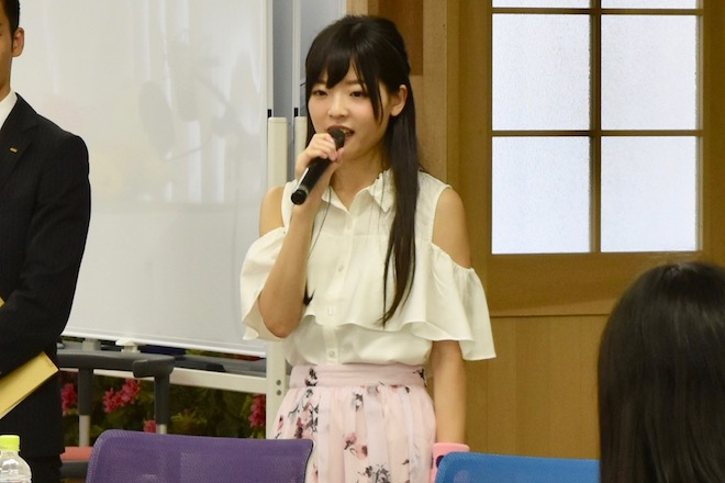 2017年8月26日(土)にアカツキ 福岡オフィスで声優などを志望する人を対象とした公開オーディションが開催されました。その様子をお届けします。声優・上原あかりさんの感想