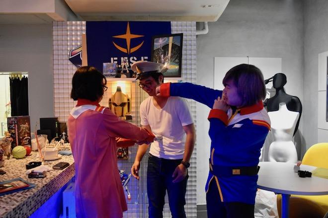ガンダムバー ソロモンの姉妹店として、連邦サイドの『ガンダムバー ホワイトベース』が2017年10月5日(木)に福岡市南区大橋でオープンしました。その様子をお届けします。