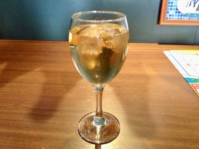 サルー祭で使用されるワイングラス