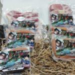 2019年4月28日(日)に大分県の一本クヌギスピードウェイ(旧 大分カートランド)で、ミルキー豊後黒豚のソーセージ、ハム、ベーコン等と漫画作品『クロスオーバーレブ!』のコラボ商品が発売されます。