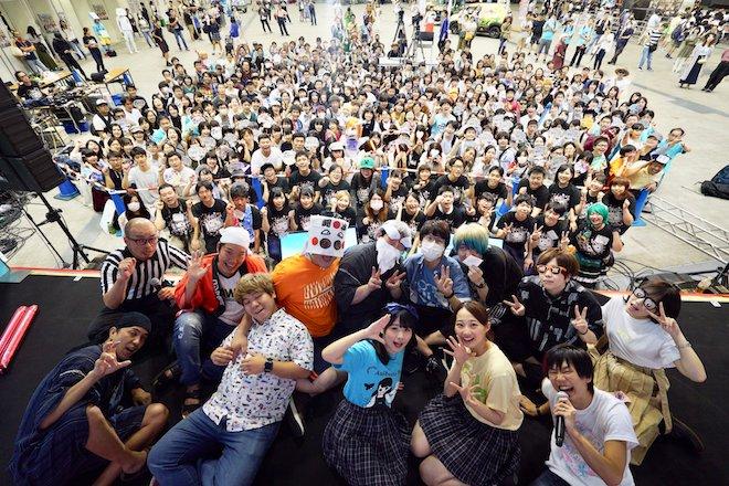2019年8月17日(土)に福岡国際センターで「ニコニコ町会議全国ツアー2019 in 福岡市 福岡サブカルまつり」が開催されました。記念撮影の様子です。