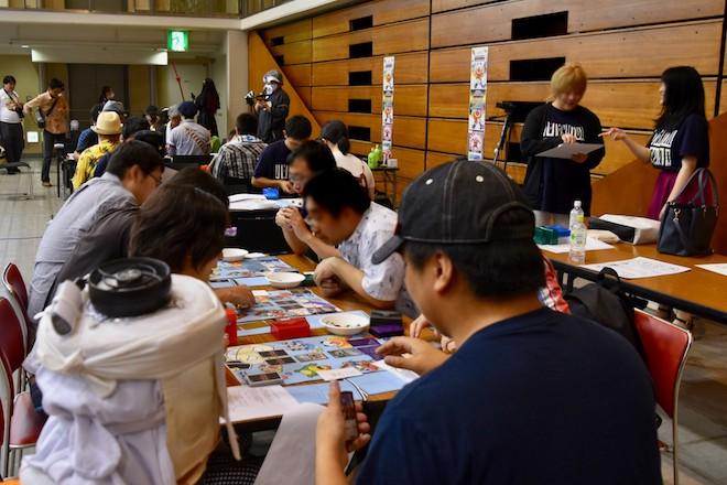 2019年8月17日(土)に福岡国際センターで「ニコニコ町会議全国ツアー2019 in 福岡市 福岡サブカルまつり」が開催されました。いい大人たちブースの様子です。