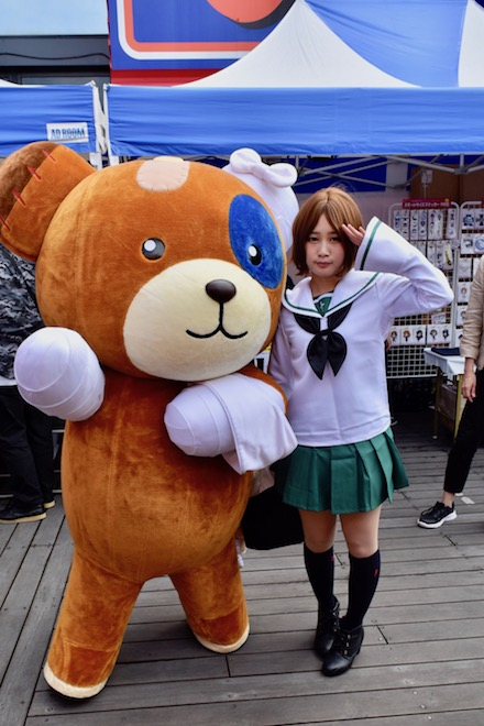 2019年9月1日(日)に熊本市のnamcoワンダーシティ南熊本店でガルパンの声優トークショーが開催。マスコットキャラのボコと、コスプレイヤーさん。