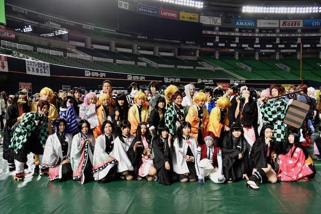2019年11月4日(月・祝)に福岡市中央区の福岡 ヤフオク!ドームでオールジャンル同人誌即売会「CC福岡50」が開催されました。鬼滅の刃のコスプレイヤーです。