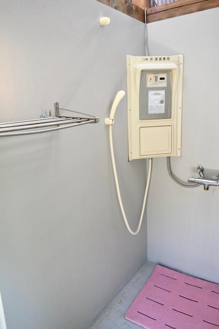 2019年11月16日(土)に福岡市西区の能古島キャンプ村・海水浴場でサブカルチャー複合イベント「のこのしまオタフェスト」が開催されました。温水シャワールーム