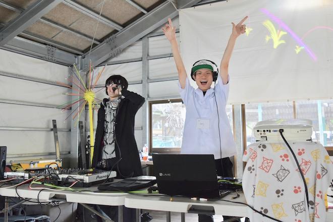 2019年11月16日(土)に福岡市西区の能古島キャンプ村・海水浴場でサブカルチャー複合イベント「のこのしまオタフェスト」が開催されました。コスプレDJ