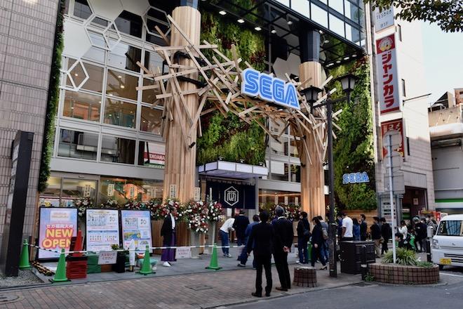 2019年11月1日(金)に福岡市中央区天神にゲームセンター「セガ福岡天神」がオープンしました。10:30過ぎのオープン前の様子です。