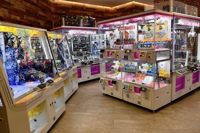 2019年11月1日(金)に福岡市中央区天神にゲームセンター「セガ福岡天神」がオープンしました。1FのUFOキャッチャーの様子です。