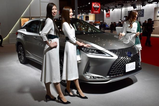 2019年12月20日(金)から12月23日(月)まで福岡市で「福岡モーターショー2019」が開催されます。マリンメッセ福岡にある、「レクサス」ブースのRX450h展示様子をお届けします。