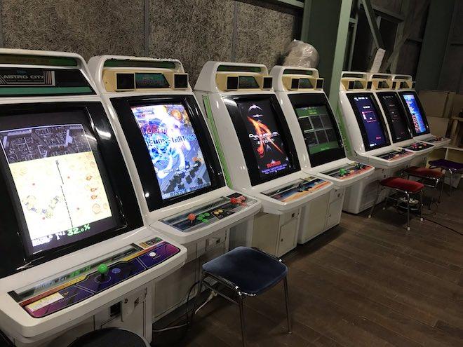 佐賀市諸富町のファミコンショップ「ぼったくり」&レトロゲームセンター