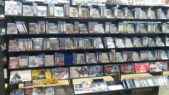 福岡県久留米市のレトロゲームショップ「ヴィータ久留米店」
