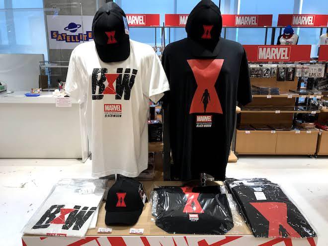 『ブラック・ウィドウ』のTシャツなど-「マーベルポップアップストア」福岡市のJR博多シティ AMU 7階